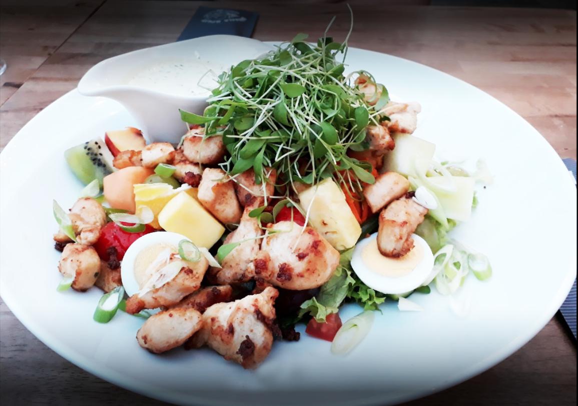 Kip fruit salade